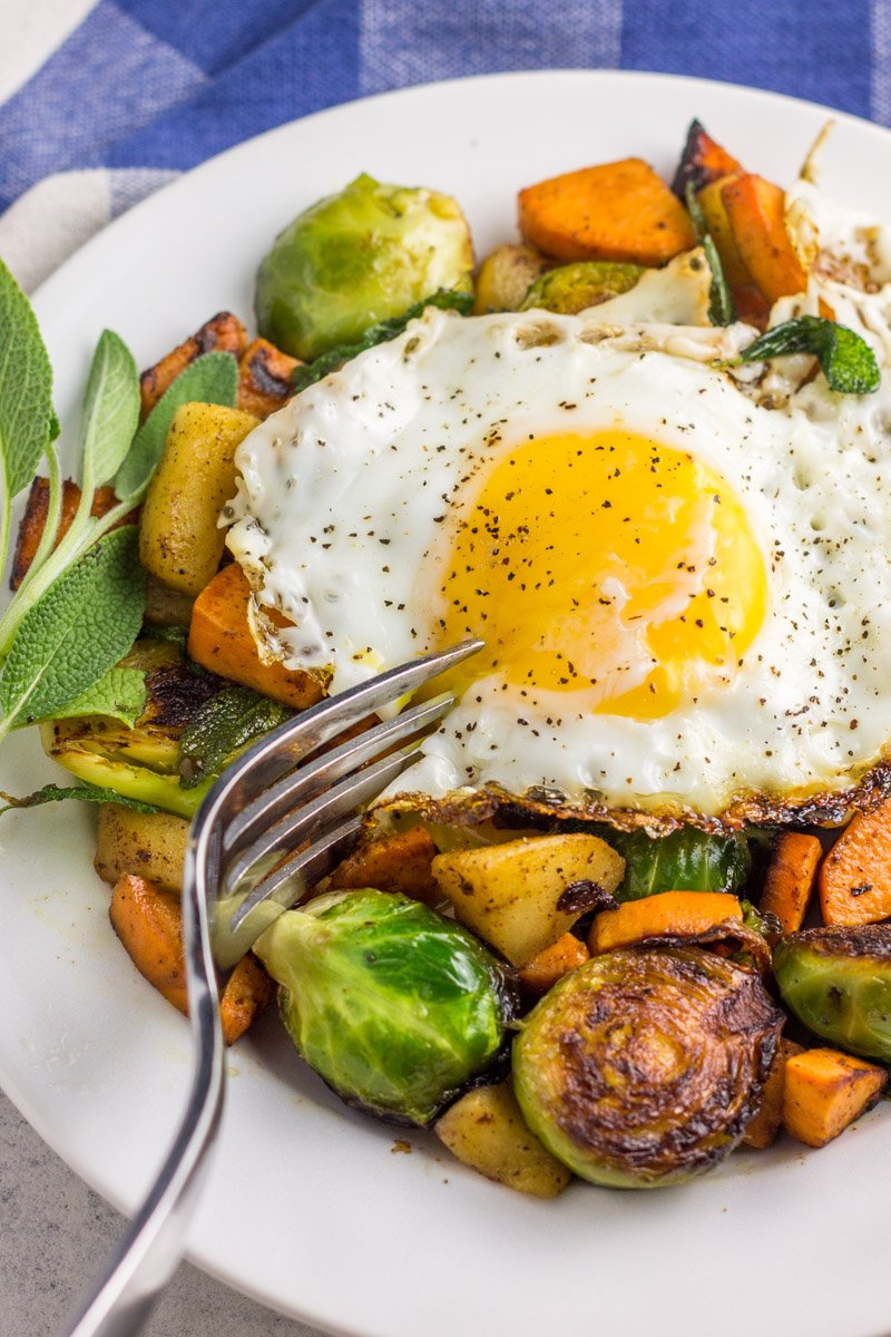 A healthy and heart breakfast skillet. Paleo and Whole30