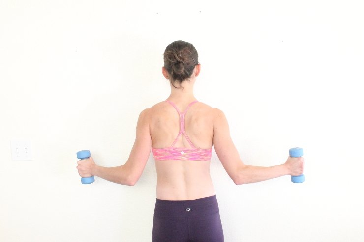 Create killer muscle tone in your back with these 8 back sculpting moves