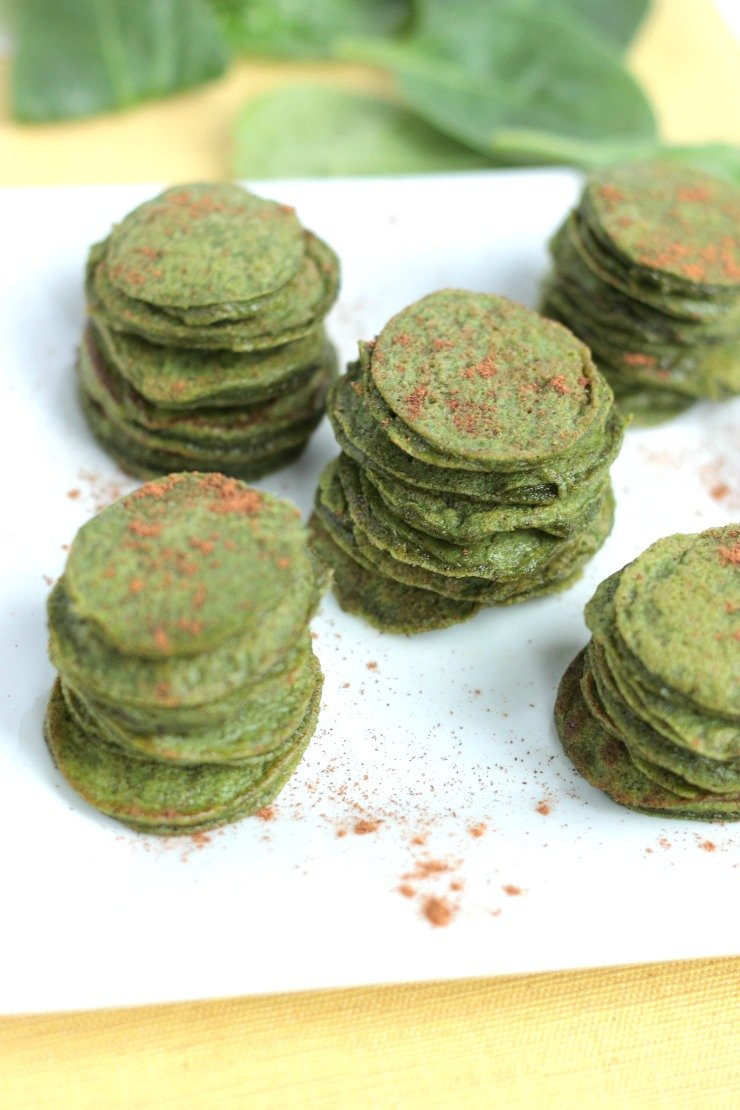 Toddler approved and healthy! Cinnamon Spinach Mini Flapjacks are paleo, gluten-free, dairy-free and sweetened with only banana and cinnamon!