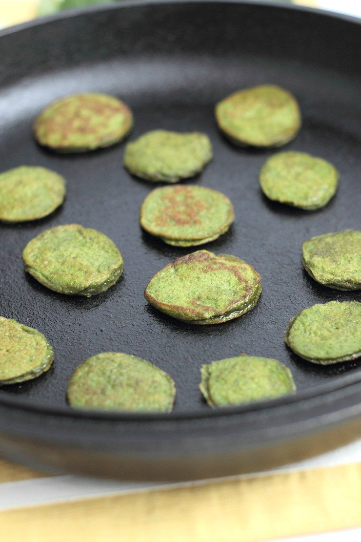 Healthy and child approved - these cinnamon spinach mini flapjacks are the perfect easy breakfast!