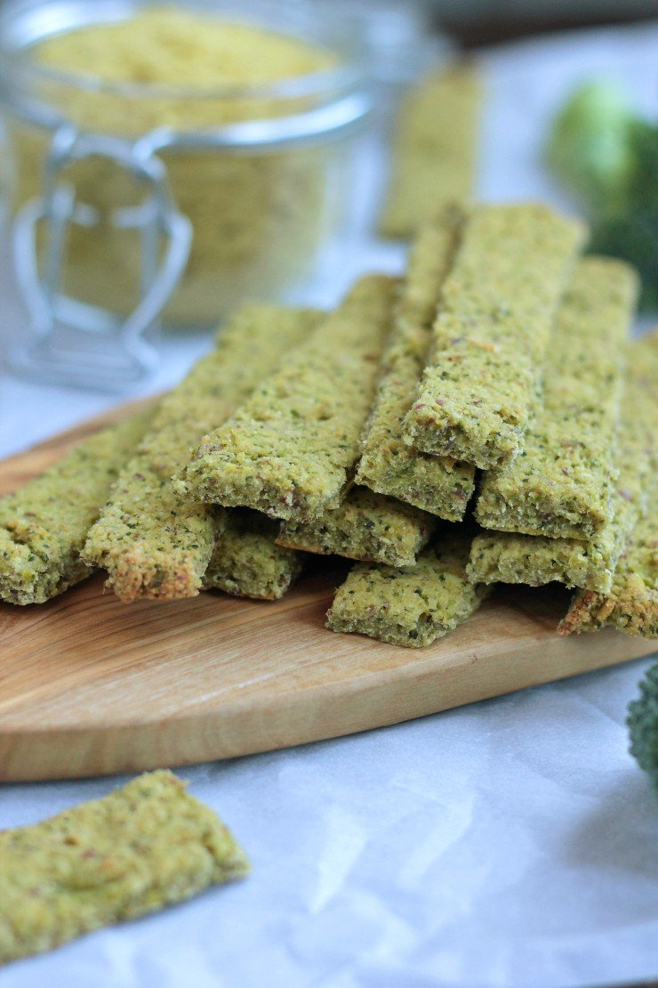 These toddler broccoli sticks are the perfect healthy snack made with all paleo ingredients