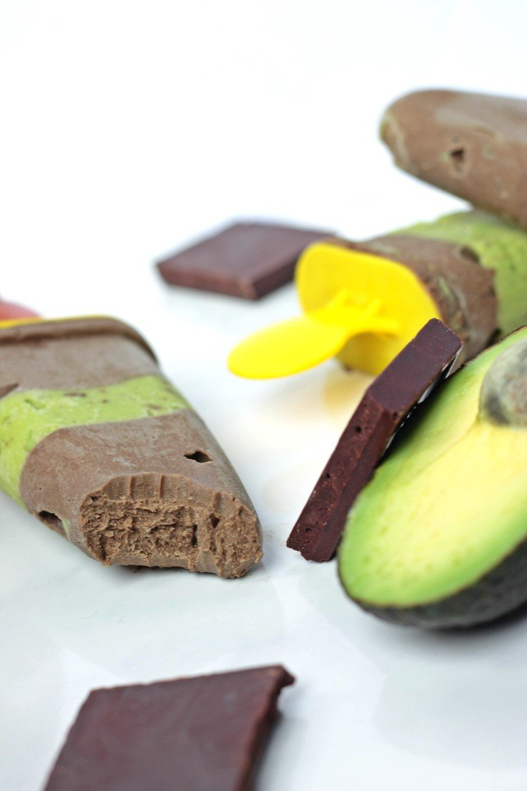 Fudgsicles made with avocado? YES! And you wouldn't even know it. So easy, so healthy, and so delicious!