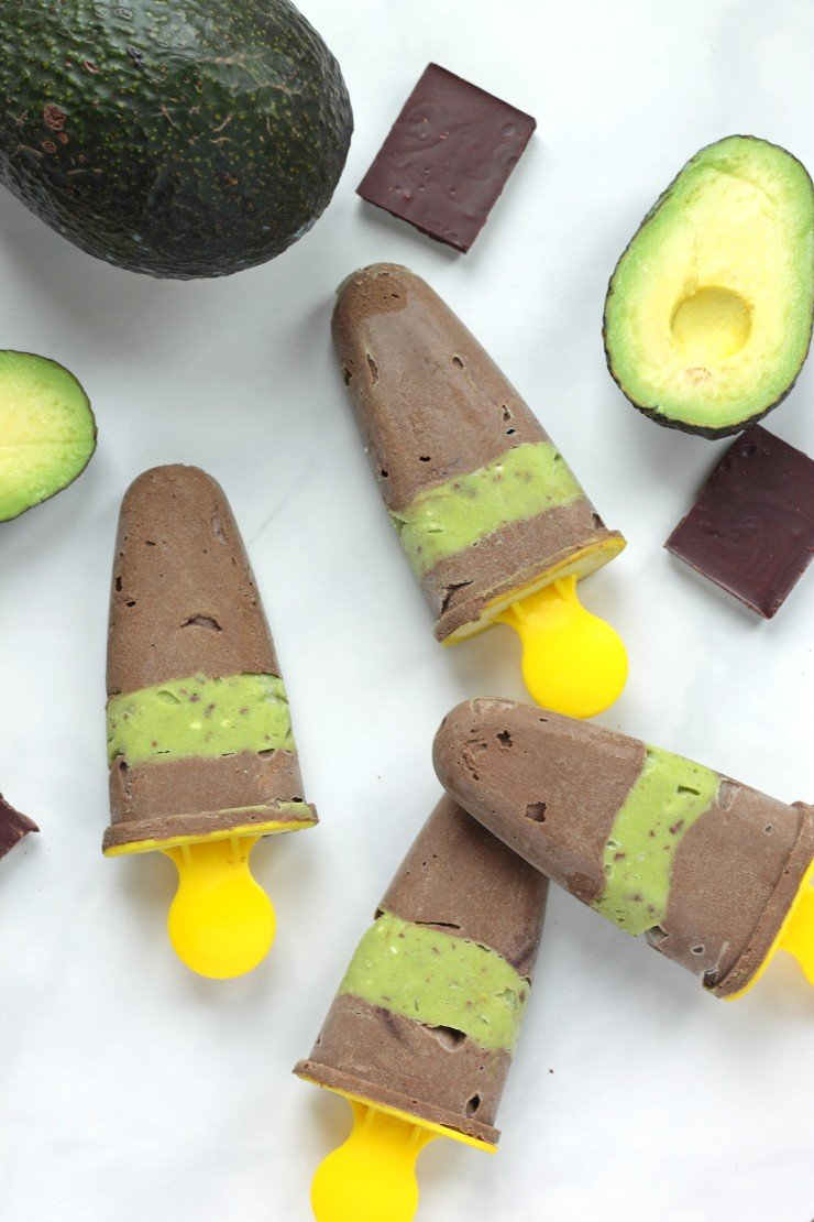 These healthy summer treats are gluten-free and guilt-free. Made with all natural ingredients, these avocado fudgsicles with a minty layer will be a summertime hit!
