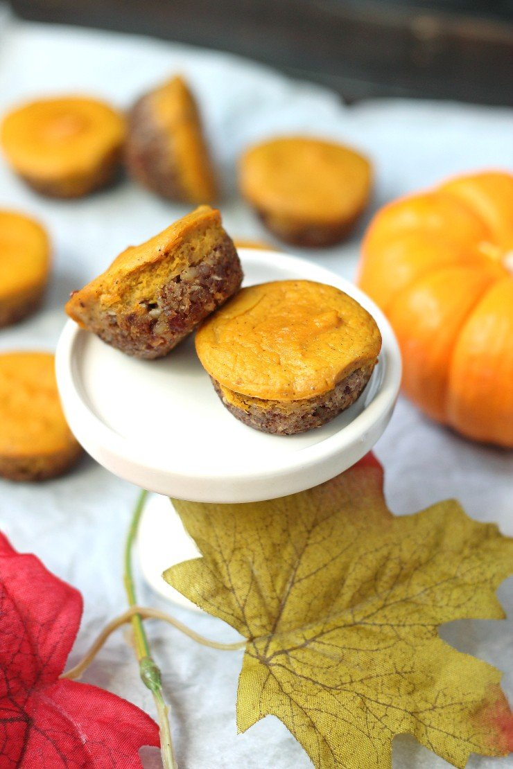 These mini pumpkin pies are naturally sweetened, gluten free, dairy free, and paleo! Perfect for entertaining this holiday season