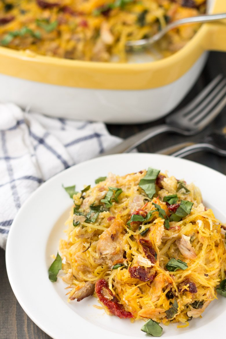 Paleo & Whole30. Only six ingredients for this Tuscan chicken spaghetti squash bake