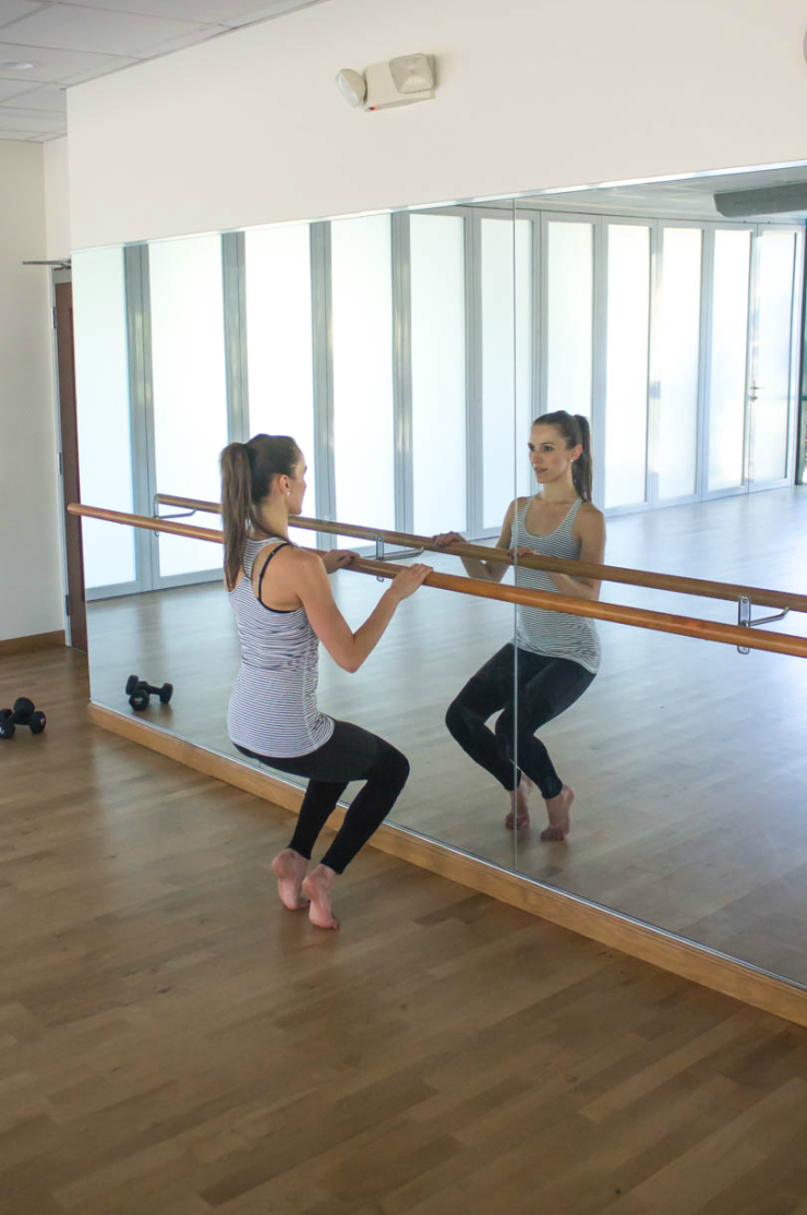 10 minute express barre routine you can do at home! Working your butt, thighs, and calves