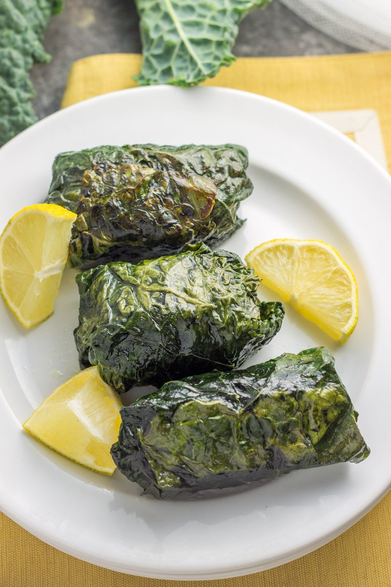 Whole30 kale roll ups packed with lean ground turkey enchanted with Italian spices