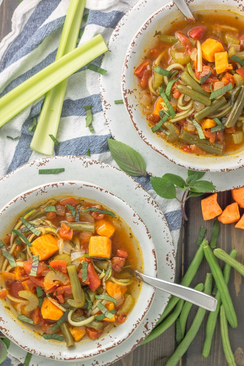 An easy fall soup recipe you can make in under 40 minutes! This minestrone soup is bean-free and pasta-free. Whole30 compliant!