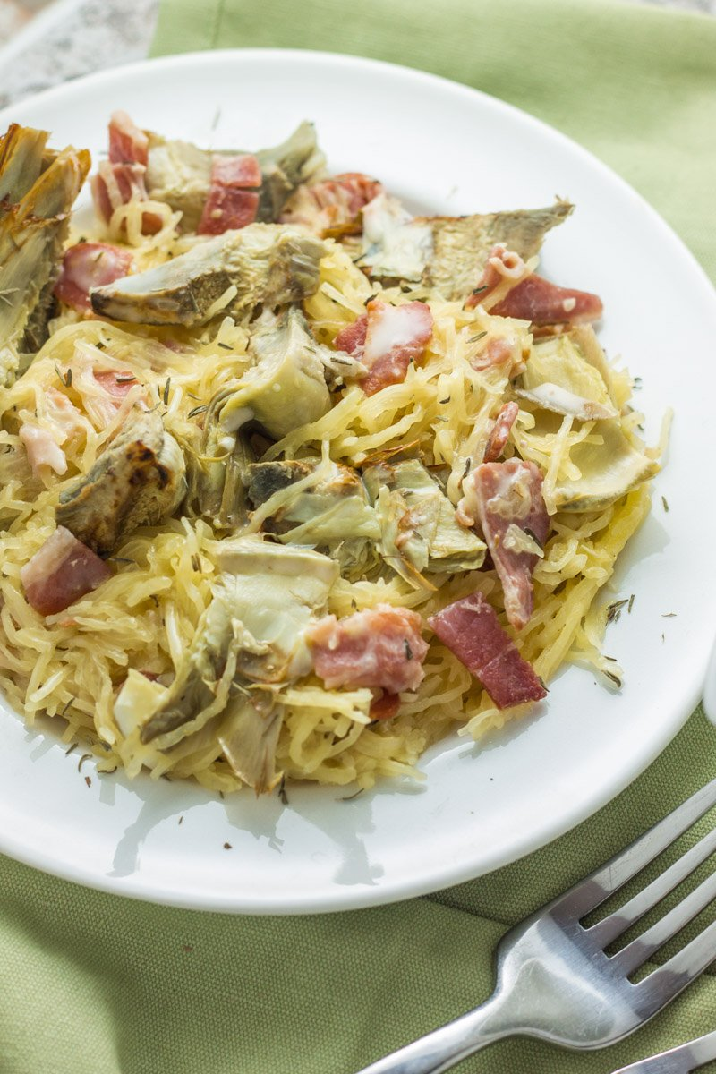 A dairy free, gluten free, whole30 dinner sure to please! Bacon and artichoke spaghetti squash. So creamy and easy to make!