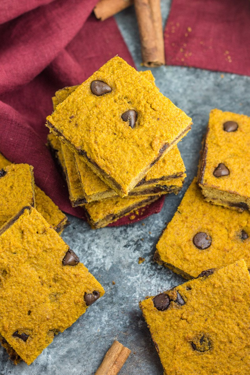 Healthy paleo pumpkin blondies with chocolate chips