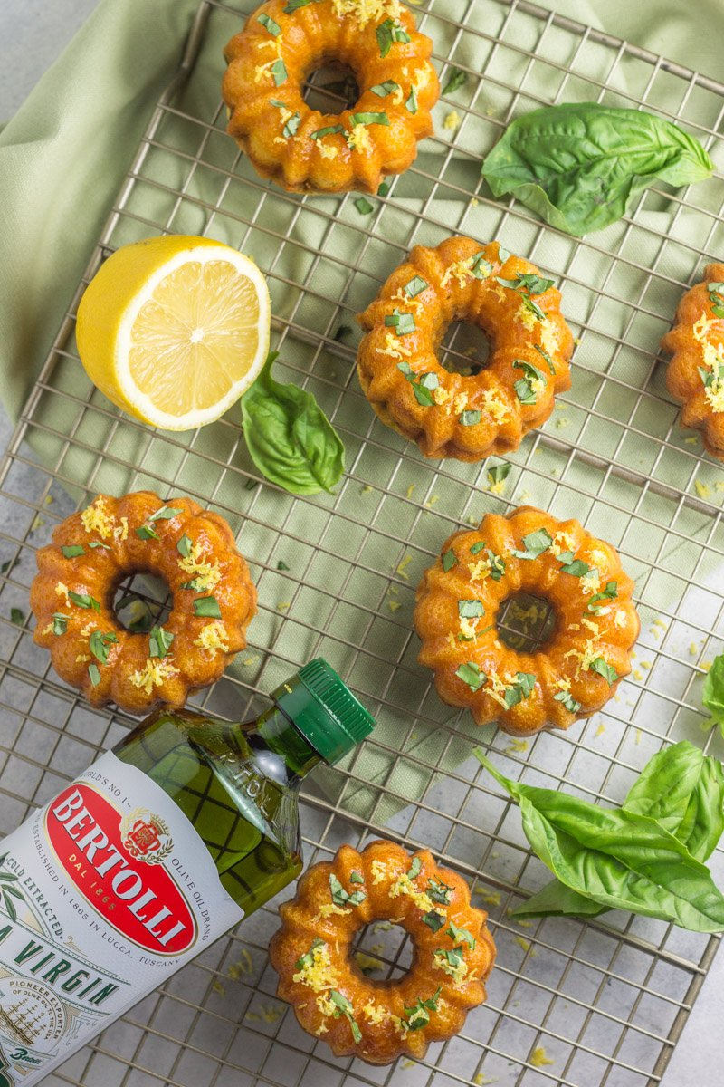 Mini bundt cakes made with lemon, basil and extra virgin olive oil. Paleo and gluten free, naturally sweetened!